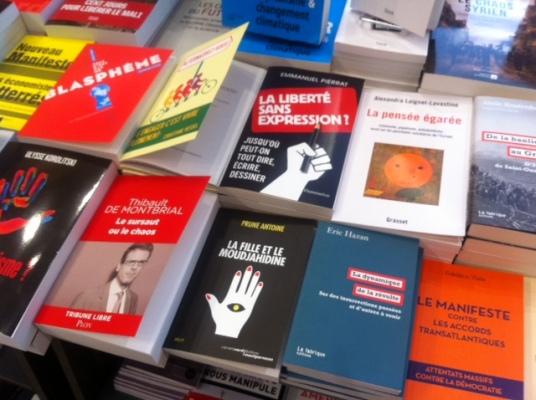 Librairie place de Clichy (JK)